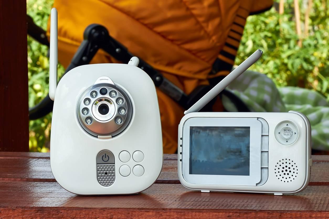 Un babyphone, idéal pour surveiller bébé dans son sommeil